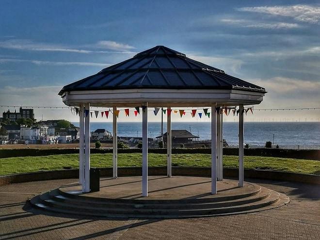 tg dan thomsett broadstairs bandstand