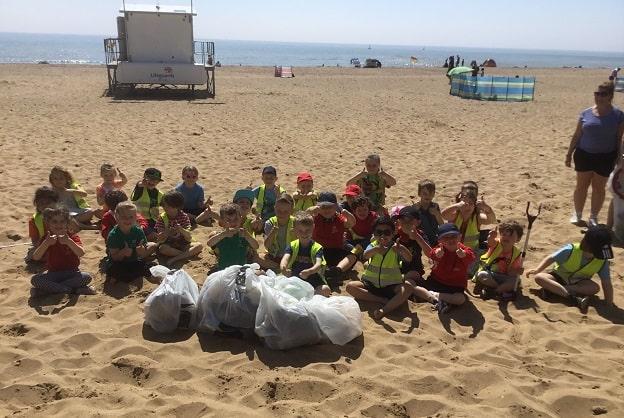 Ellington beach clean